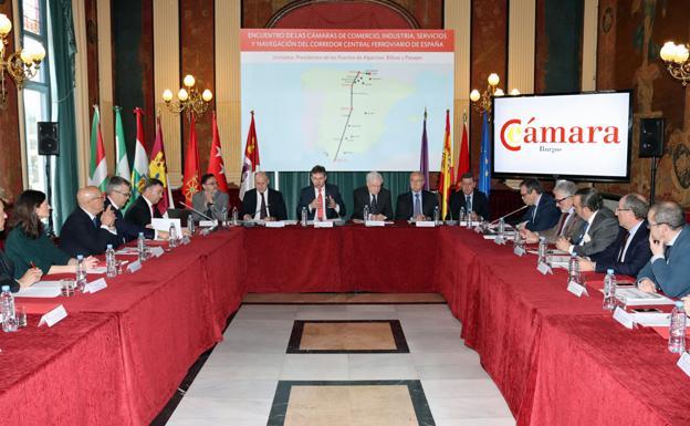 La reunión ha contado con representantes de las cámaras y de los puertos implicados en el transporte de mercancias entre el norte y el sur/IAC