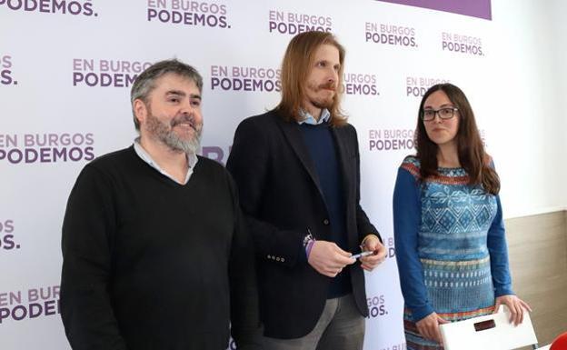 Ignacio Lacámara, Pablo Fernández y Laura Domínguez, representantes políticos de Podemos/Patricia Carro