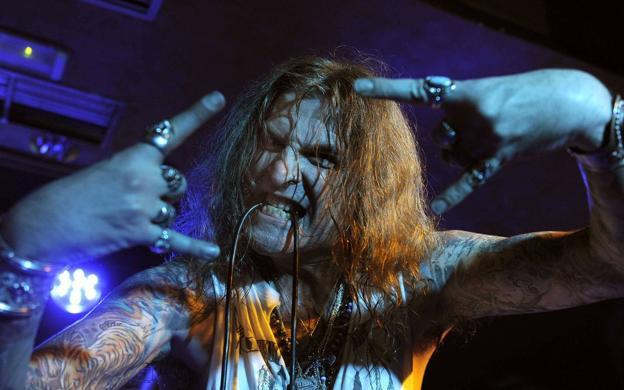 Una batalla narrada a ritmo de heavy metal