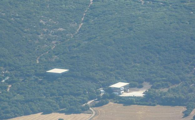 Imagen aérea de los yacimientos de Atapuerca. /GIT
