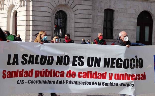 Manifestación contral a privatización de la sanidad en Burgos./Patricia Carro